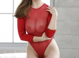 Monika w czerwonej bieliźnie to kusząca propozycja (9)