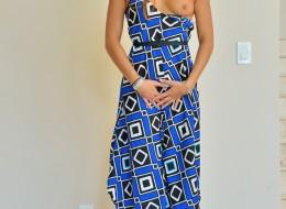 Pod swoją niebieską suknią skrywa sucze tajemnice (4)
