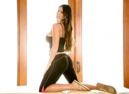 Bruneta ma sam seks w sobie (8)