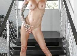 Laska z tatuażem stylowa i seksowna (7)