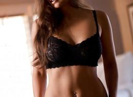 Idealne piersi i sterczące sutki (5)