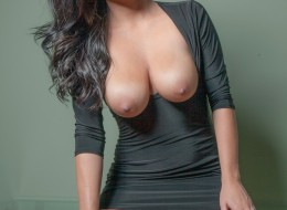 Seksowna panna w czarnej sukience (2)