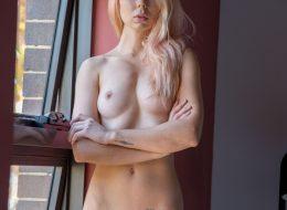10 39 260x190 - Chuda blondyneczka