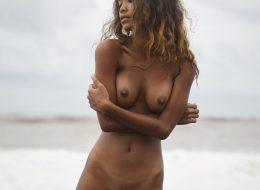 06 52 260x190 - Lala na plaży