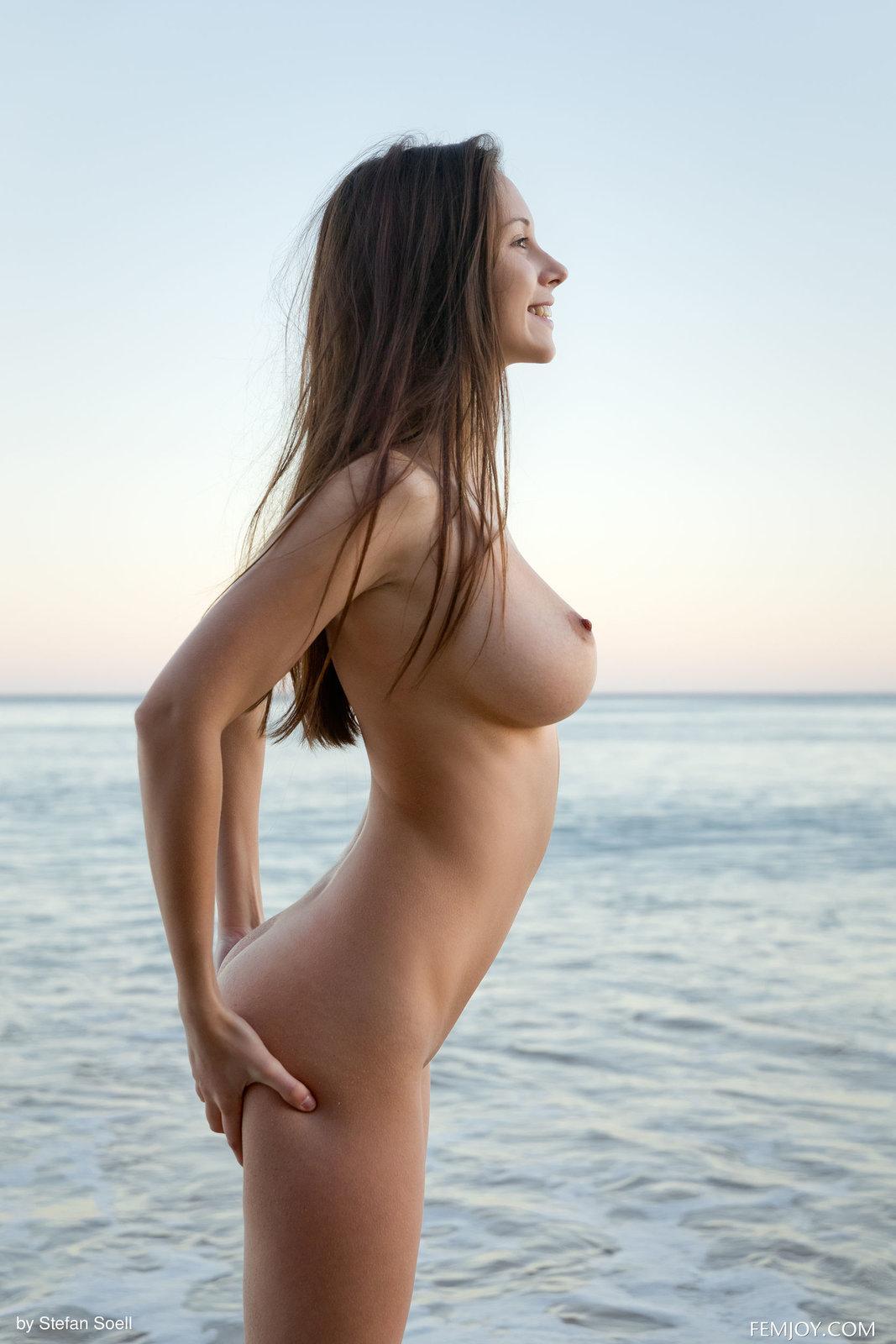 07 83 - Cycata lala na plaży